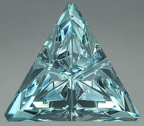 A 13.07 ct Aquamarine StarBrite TM. Photo by Lydia Dyer.
