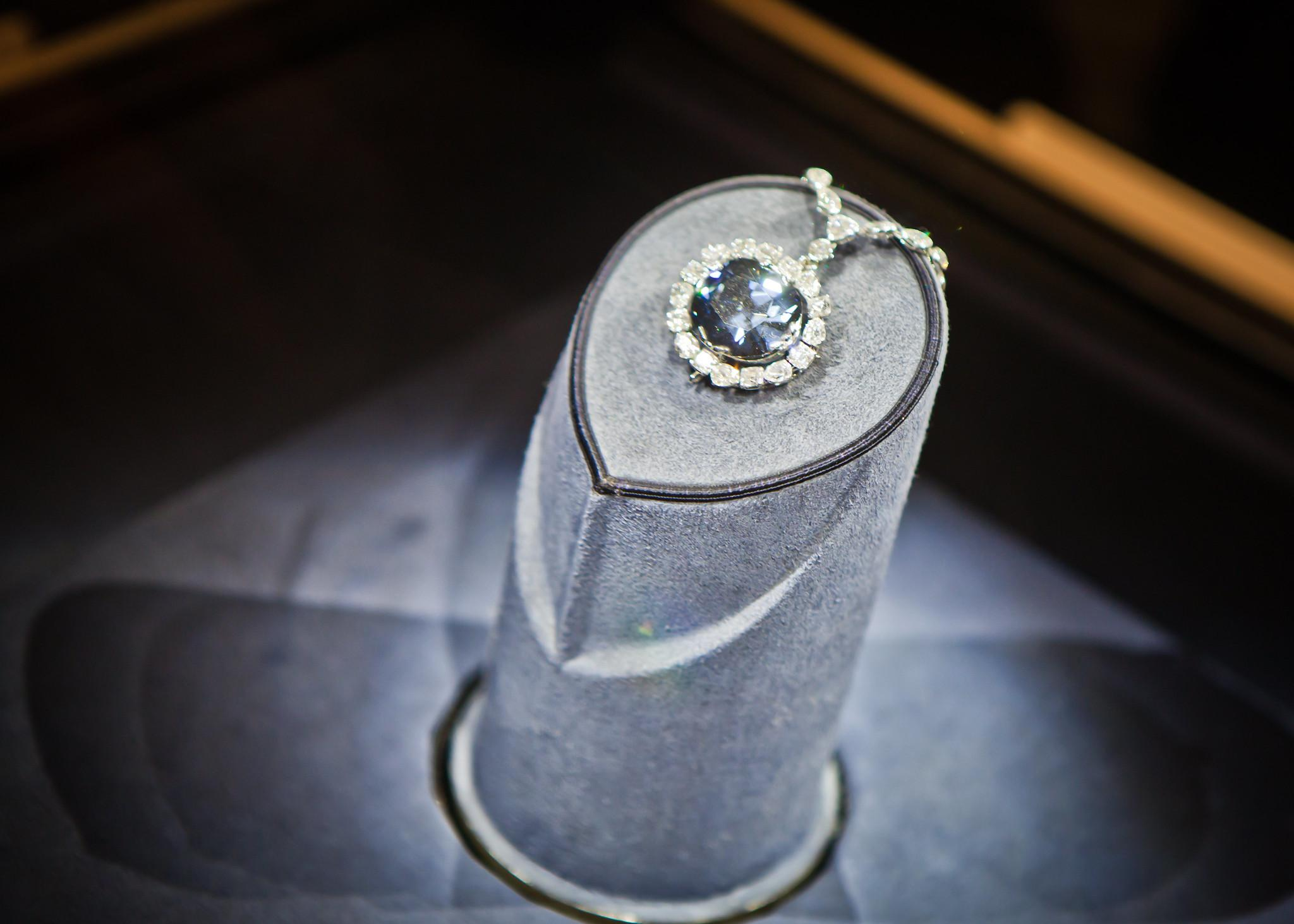The Hope Diamond Jessie Hodge Flickr CC Gem A Blog Famous Diamonds for Gemmologists Smithsonian