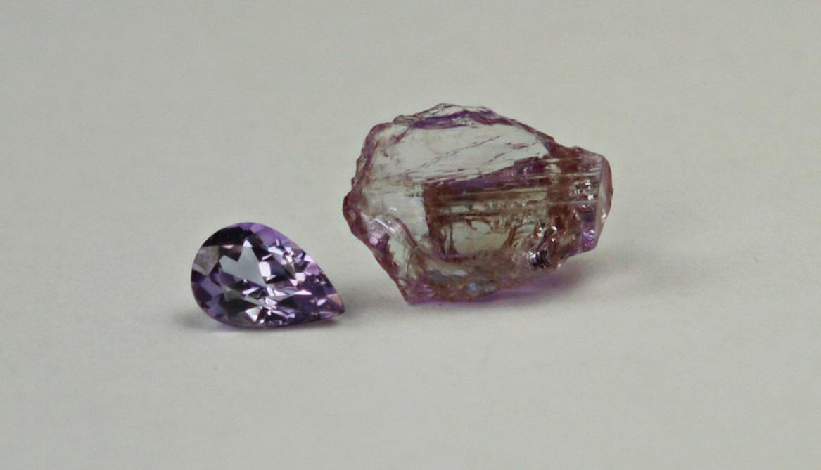 Zoisite rough crystal and facetted gemstone Tanzanite Gem A Blog GemA HM