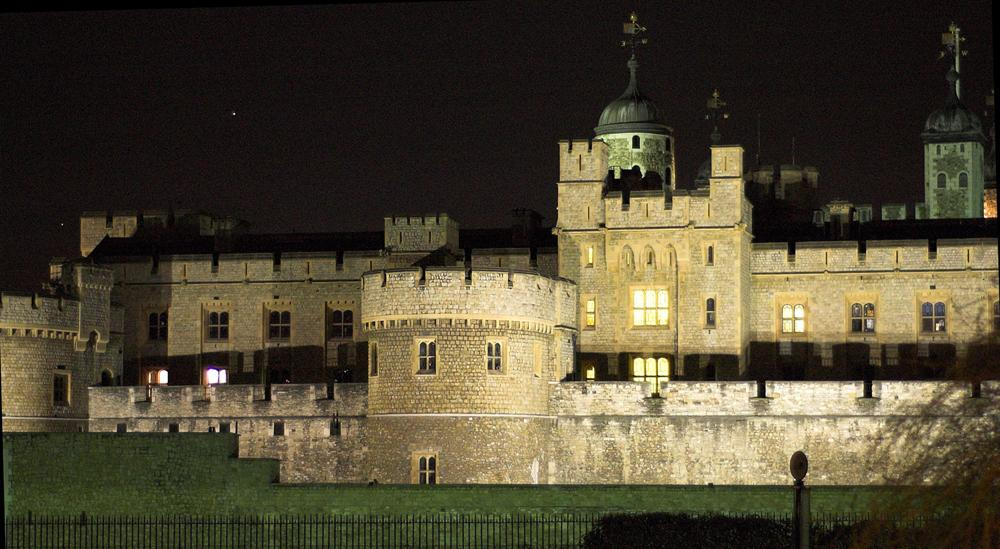 Tower of London at night. Copyright Kjetil Bjørnsrud. Tower of London