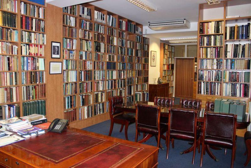 Library-GemA-010