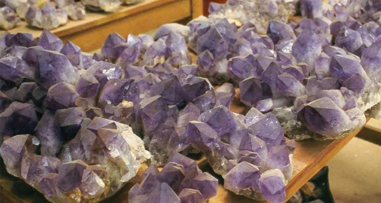 How to Separate Natural from Synthetic Ametrine using Conventional Equipment