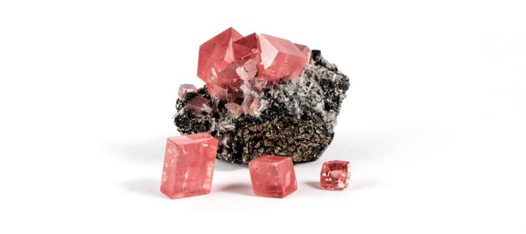 American Gemstones: Sweet Home Mine Rhodochrosite from Colorado